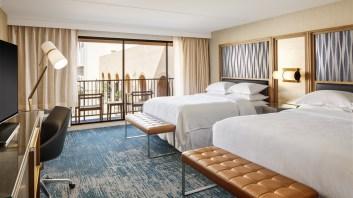 queen-standard-guestroom.jpg